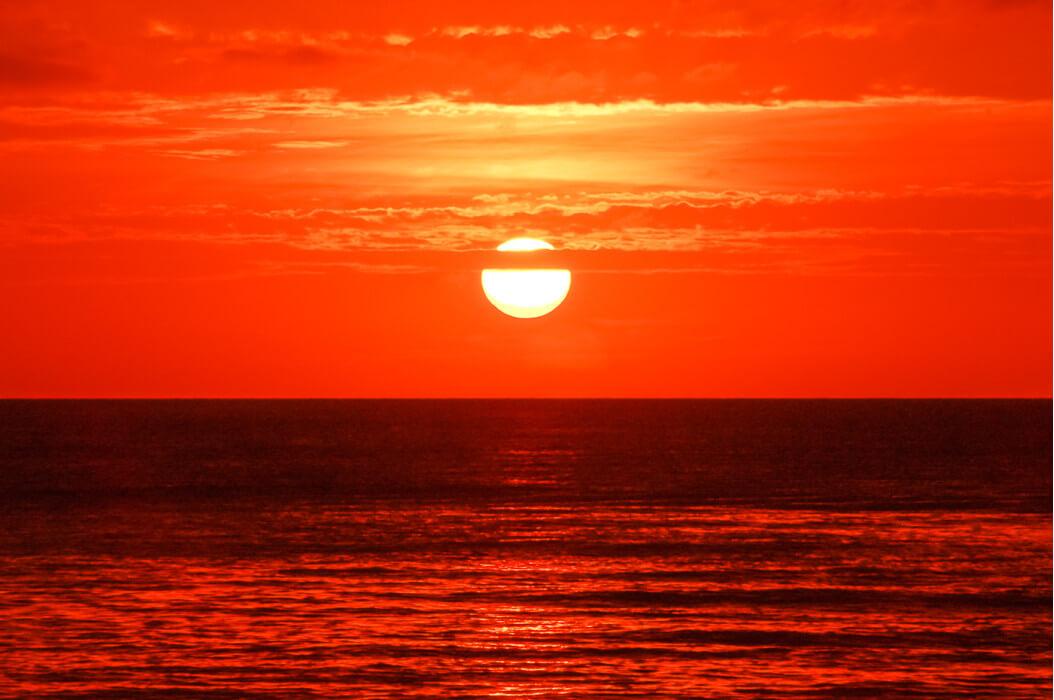 сказочный закат на острове Боракай
