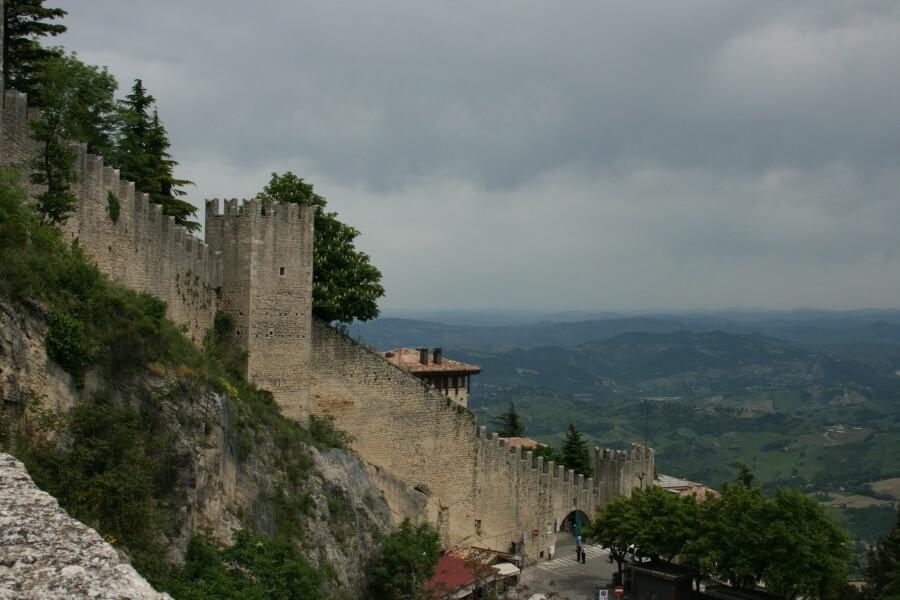 крепость в Сан-Марино
