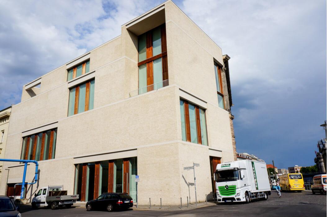 архитектура современных зданий в Барселоне