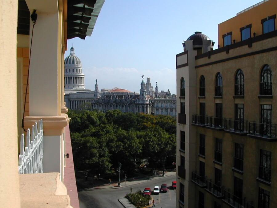 Гавана, вид с балкона на Капитолий