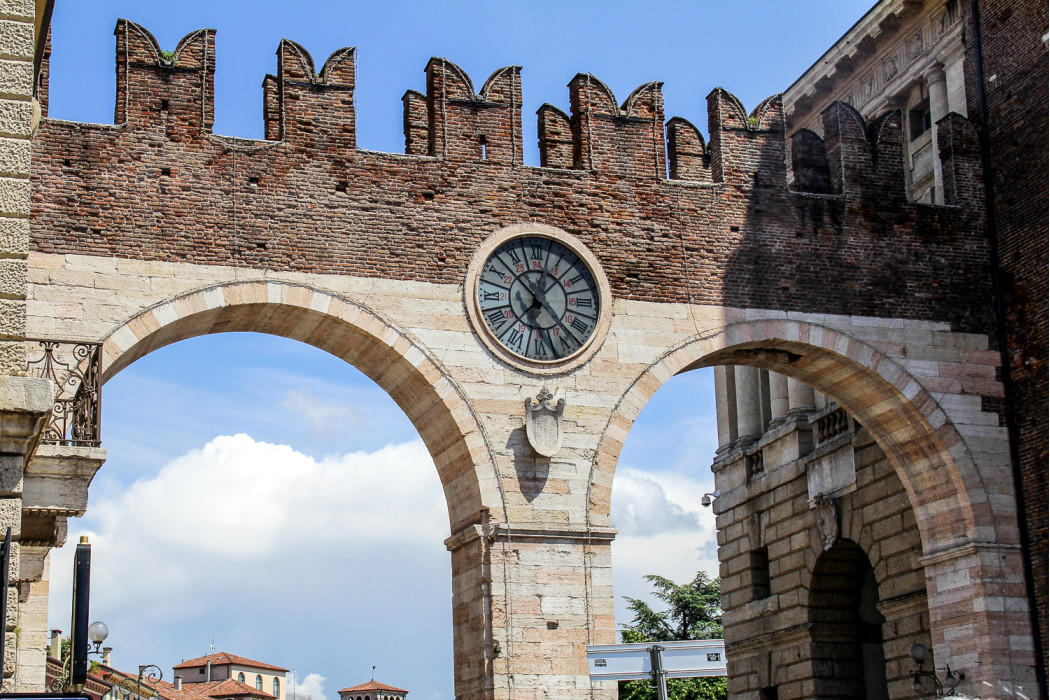 выход на центральную площадь Вероны