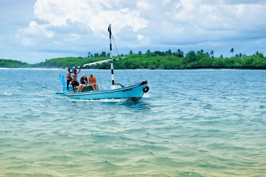 у Мальдивских островов рядом с Индией