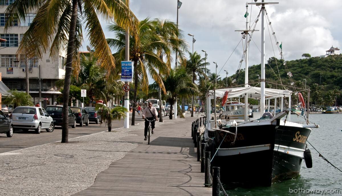Небольшой прибрежный город к северу от Рио-де-Жанейро